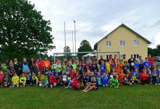 Gelungene Inklusion beim Fußballturnier mit der E-Jugend des FCA