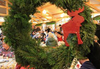 Einstieg in die Vorweihnachtszeit: Adventsmarkt der Magnus-Werkstätten