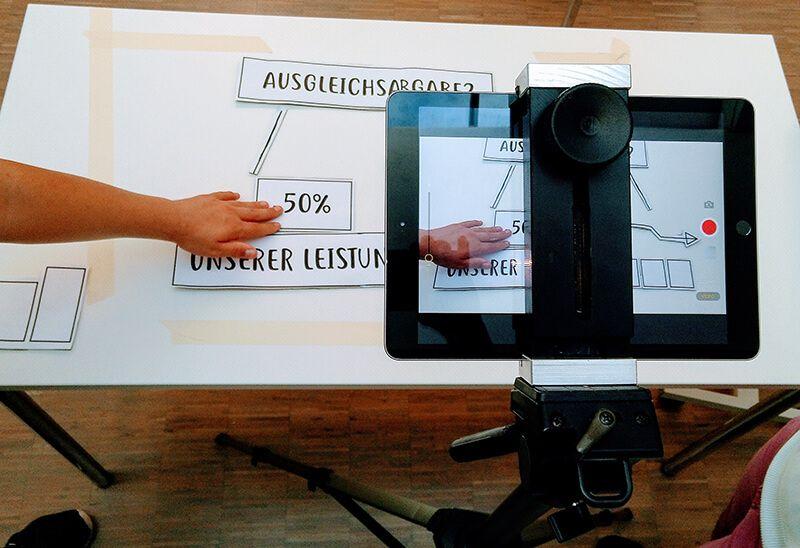 Ein Anleitungsvideo entsteht (Magnus-Werkstätten, Regens Wagner Holzhausen)