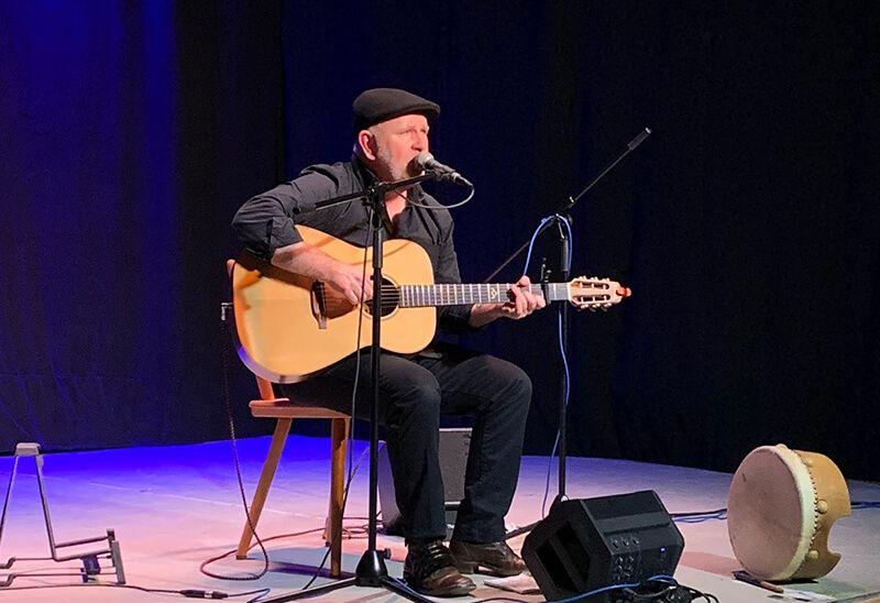 Der Künstler Paul O'Brien wie ihn seine Fans kennen und lieben