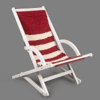 Schaukelliegestuhl in Rot-Weiß, Bezug gefertigt in der Weberei der Magnus-Werkstätten von Regens Wagner Holzhausen